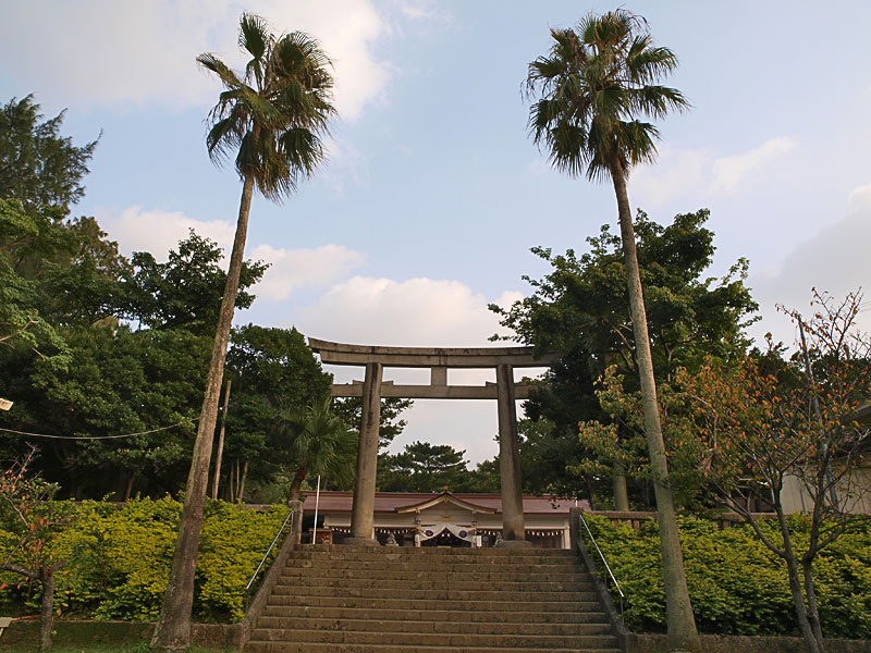 04torii_gokoku.jpg