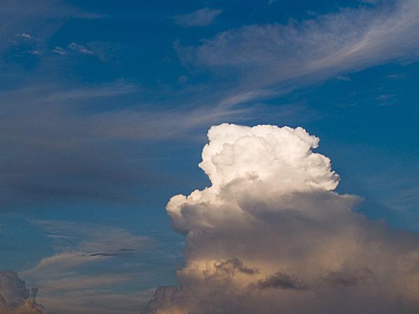 060828_04w_cloud.jpg
