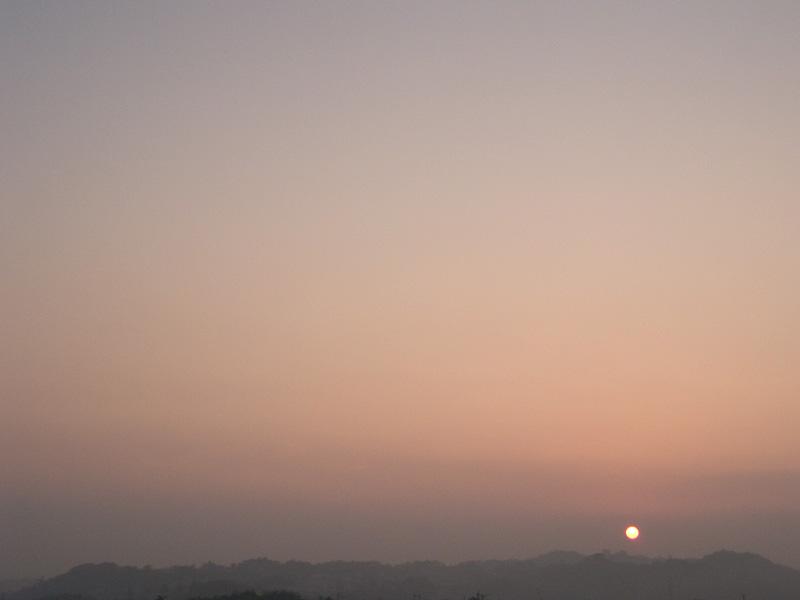 070725_01sunrise_fog.jpg