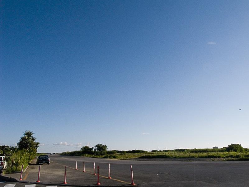 070904_06yomitan_airport.jpg