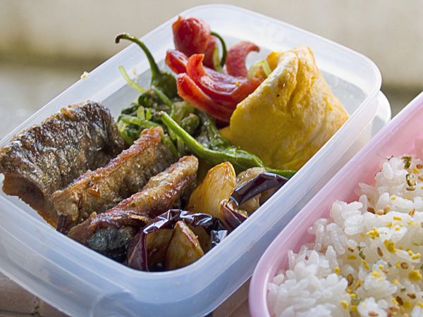 lunchbox060928.jpg